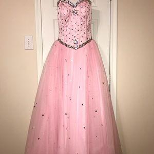 Light Pink Quinceañera dress